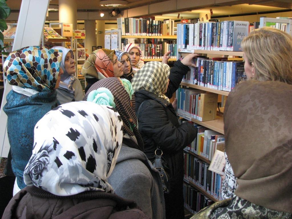 Stadtbibliotheksführung für Frauen